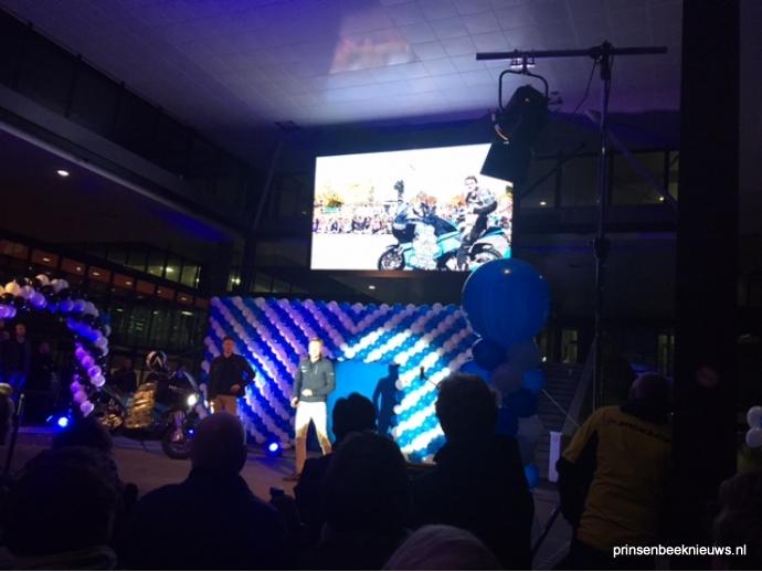 Storm team na reis van 80 dagen om de wereld weer thuis prinsenbeeknieuws for Thuis van de wereldconsole