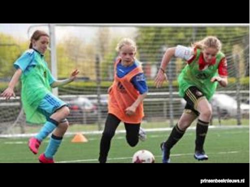 Eerste meisjesvoetbal-toernooi Beek Vooruit