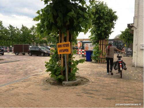 Boetes voor fietsers op stoep Markt