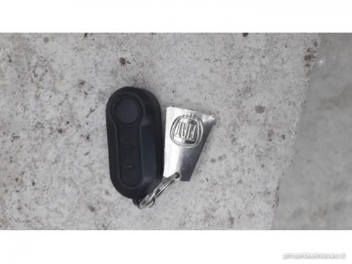 Autosleutel gevonden op Halseweg