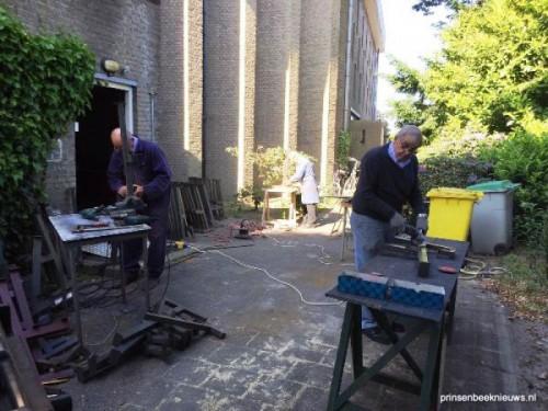 Hulp vrijwilligers bij verbouwing kerk