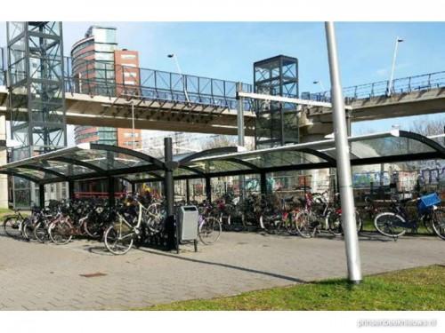 Diefstal fietsen bij station