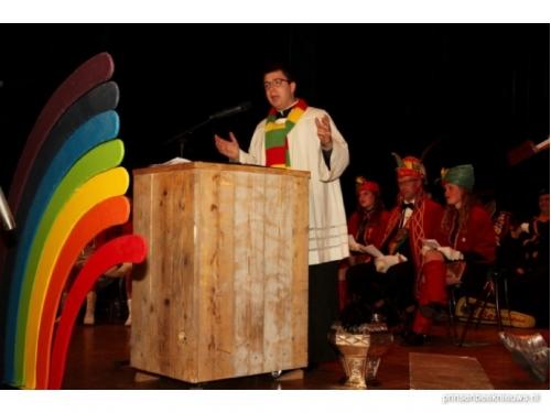 Ruim duizend euro carnavals-gebedsdienst voor goede doelen ... Smarties Doelen